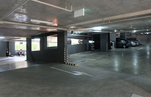 the-lumpini-24-bangkok-condo-for-sale-parking